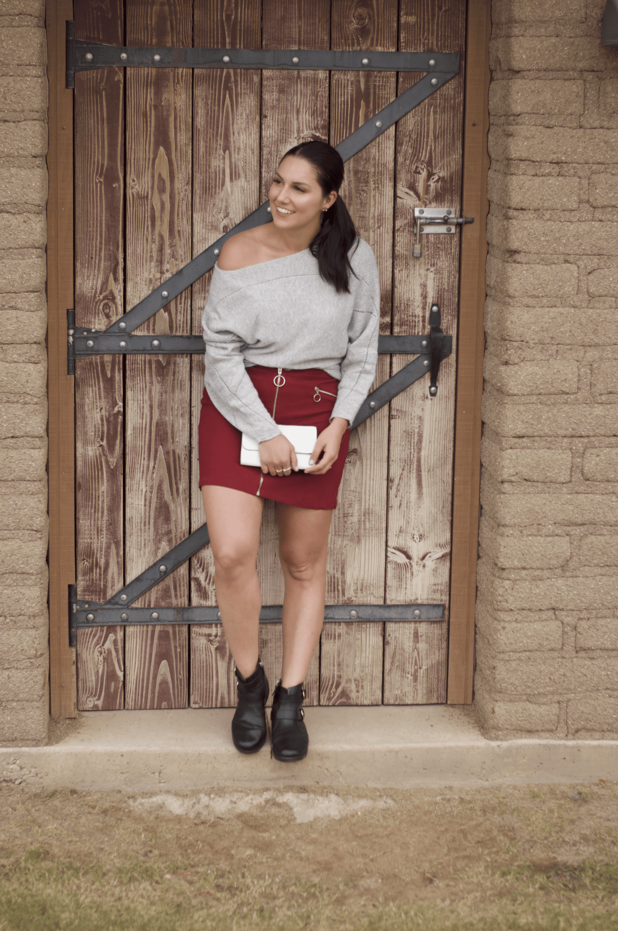 b66bd5fd4ffb This is a full body shot of me rocking a maroon skirt and grey sweater with